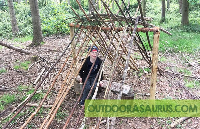 how to build a den in the wild