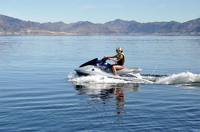are jet skis easy to ride