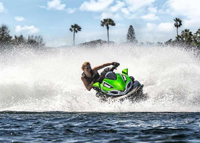 are jet skis easy to flip